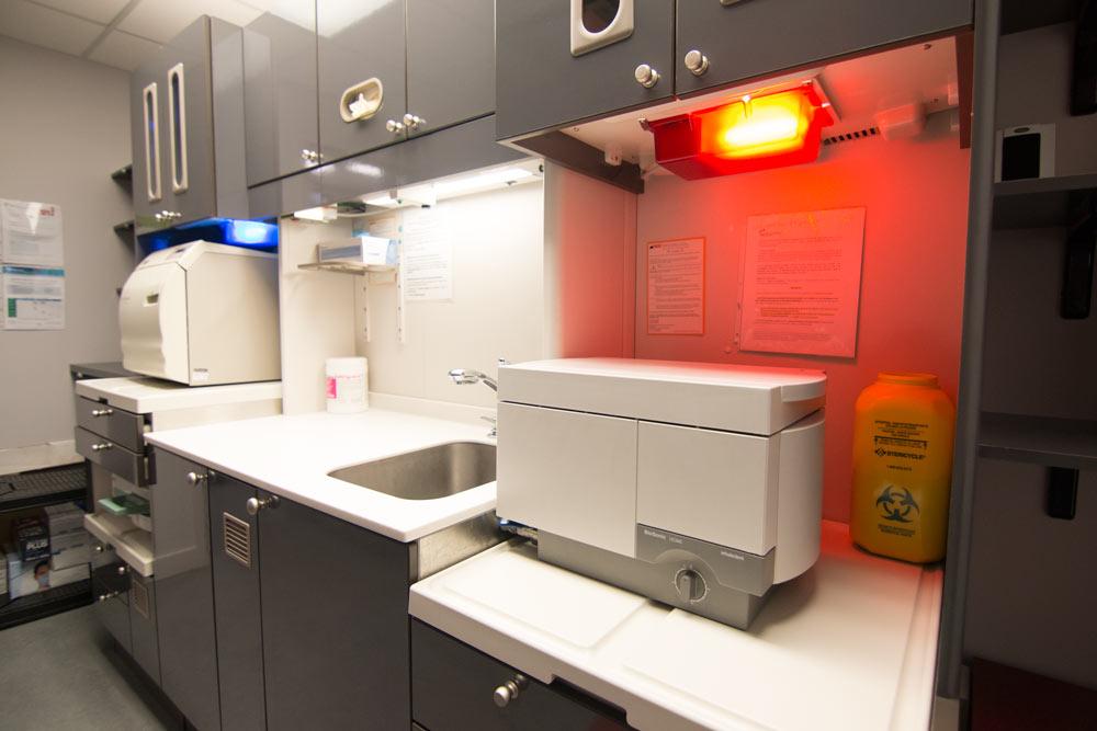 Implantologie dr morissette salles de traitement st riles for Simulation implantation cuisine